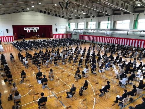 入学式 体育館 全体.jpg