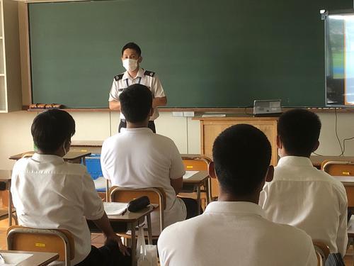 校内進路説明会(公務員)2.JPG